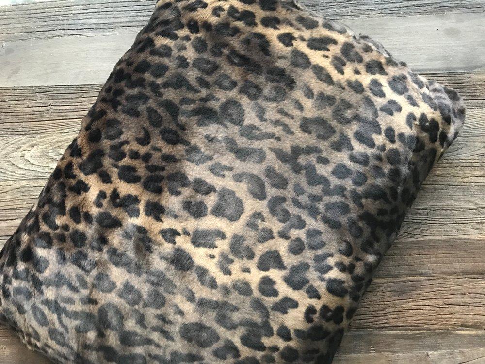 Faux Fur Travel Pad - CLOUD - Panther