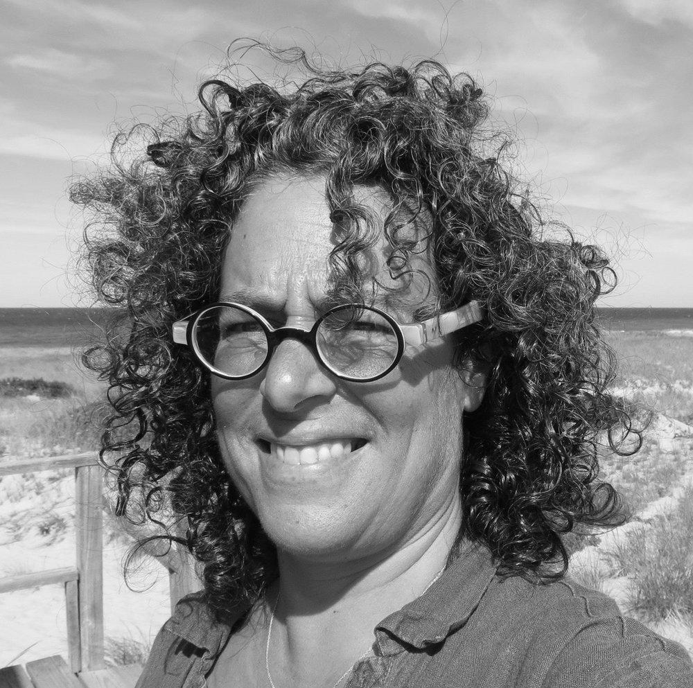 Cherie Mittenthal  Executive Artistic Director 508-349-7511 ext. 101  cherie@castlehill.org