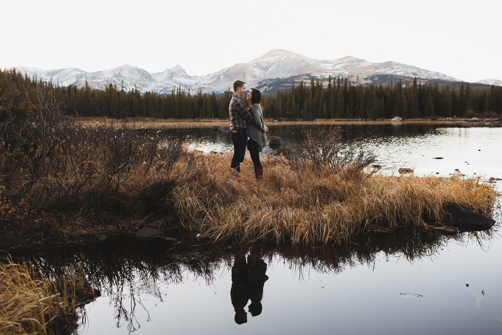 KATHERINE + MICHAEL | MOUNTAIN LAKE ENGAGEMENT SESSION