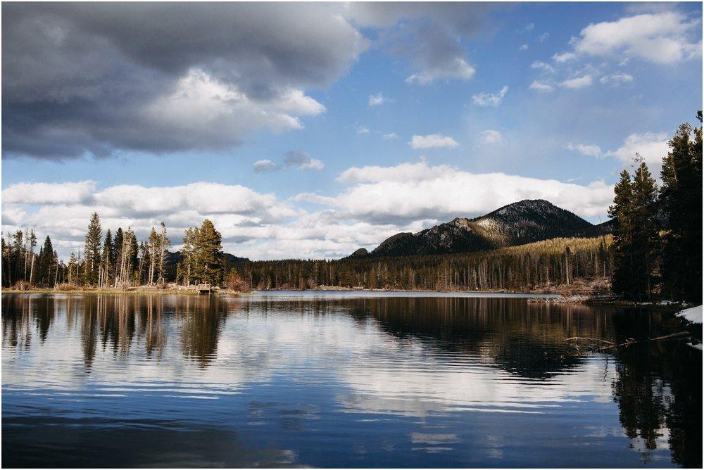 rocky-mountain-national-park-elopement-sprague-lake-colorado-adventure-wedding-photographer_taylor-powers_03.jpg
