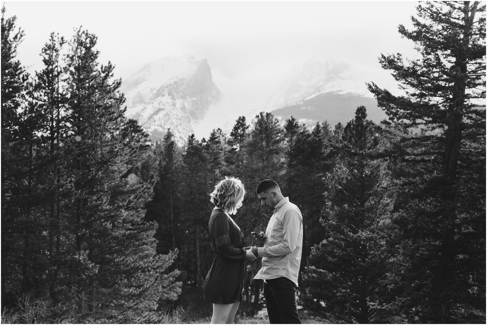 rocky-mountain-national-park-elopement-sprague-lake-colorado-adventure-wedding-photographer_taylor-powers_52.jpg