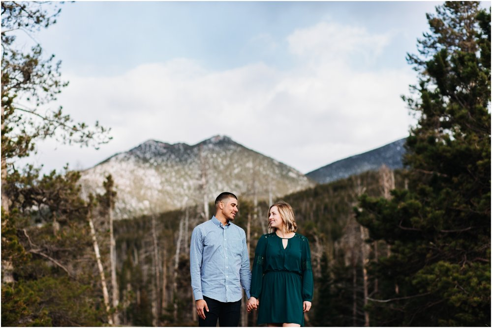 rocky-mountain-national-park-elopement-sprague-lake-colorado-adventure-wedding-photographer_taylor-powers_123.jpg