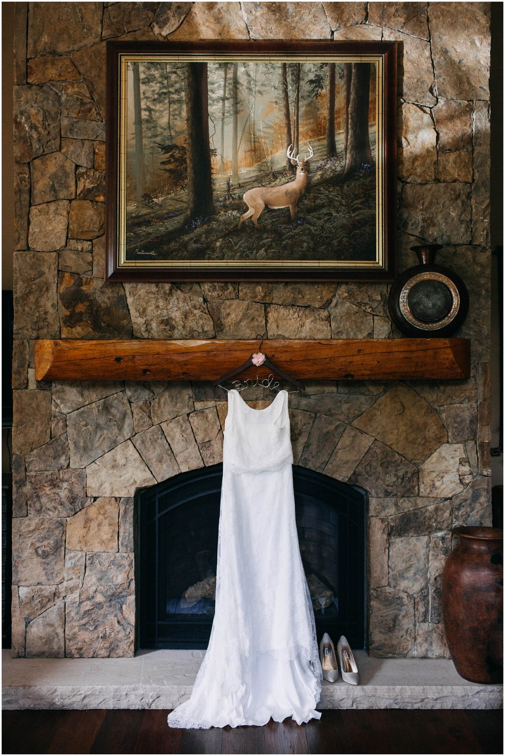 Courtney+Jamie_modern_vail_village_wedding_colorado_taylor_powers_0003.jpg