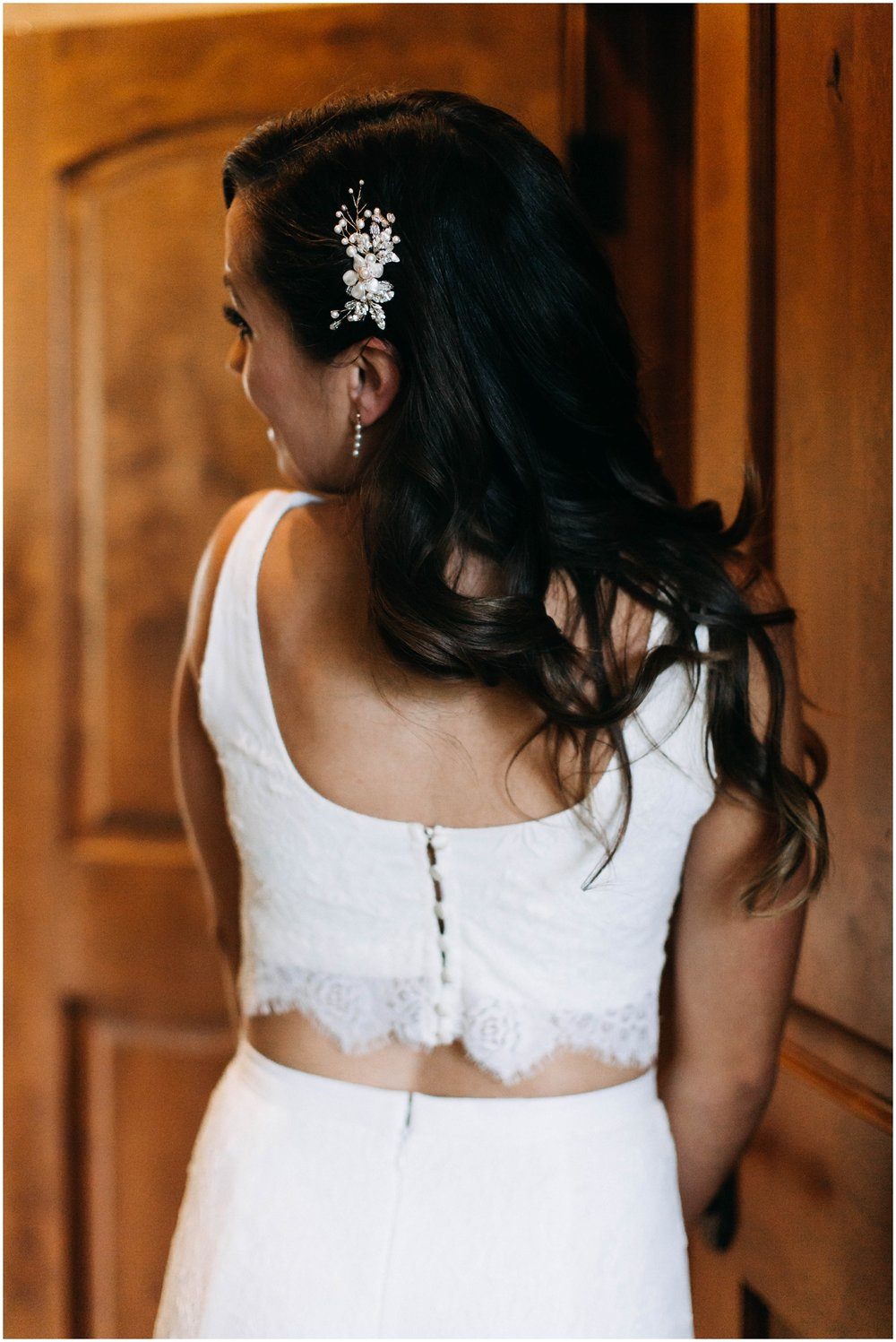 Courtney+Jamie_modern_vail_village_wedding_colorado_taylor_powers_0044.jpg