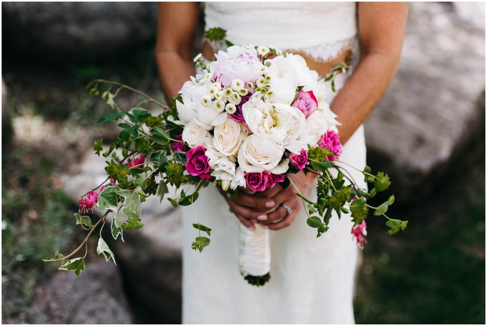 Courtney+Jamie_modern_vail_village_wedding_colorado_taylor_powers_0049.jpg