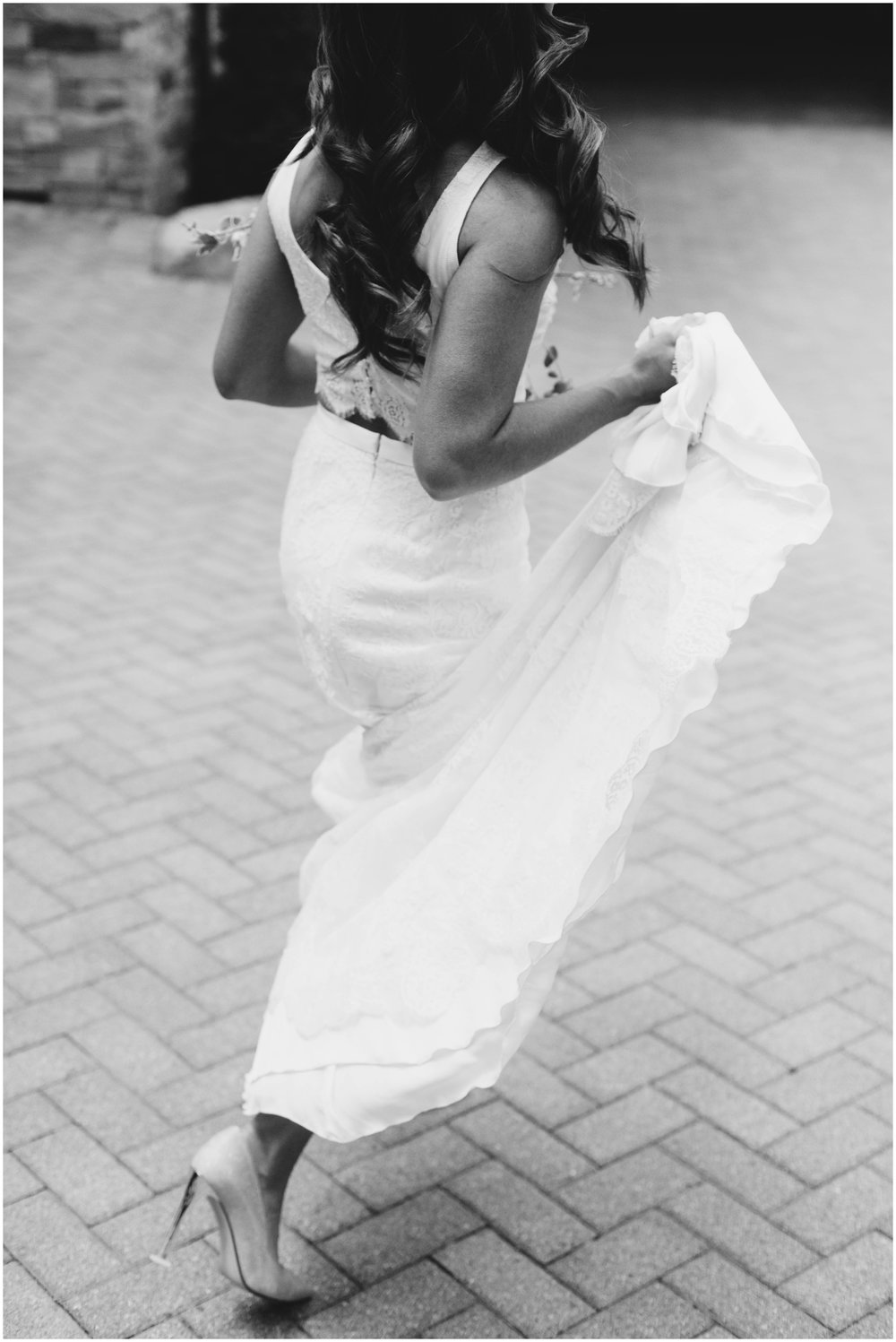 Courtney+Jamie_modern_vail_village_wedding_colorado_taylor_powers_0055.jpg