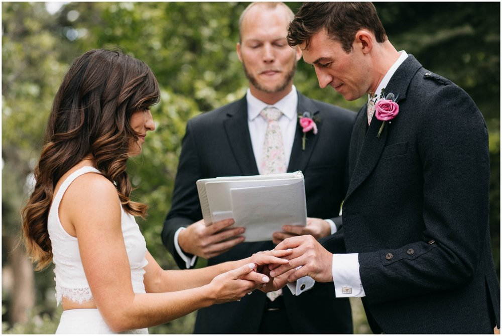 Courtney+Jamie_modern_vail_village_wedding_colorado_taylor_powers_0077.jpg