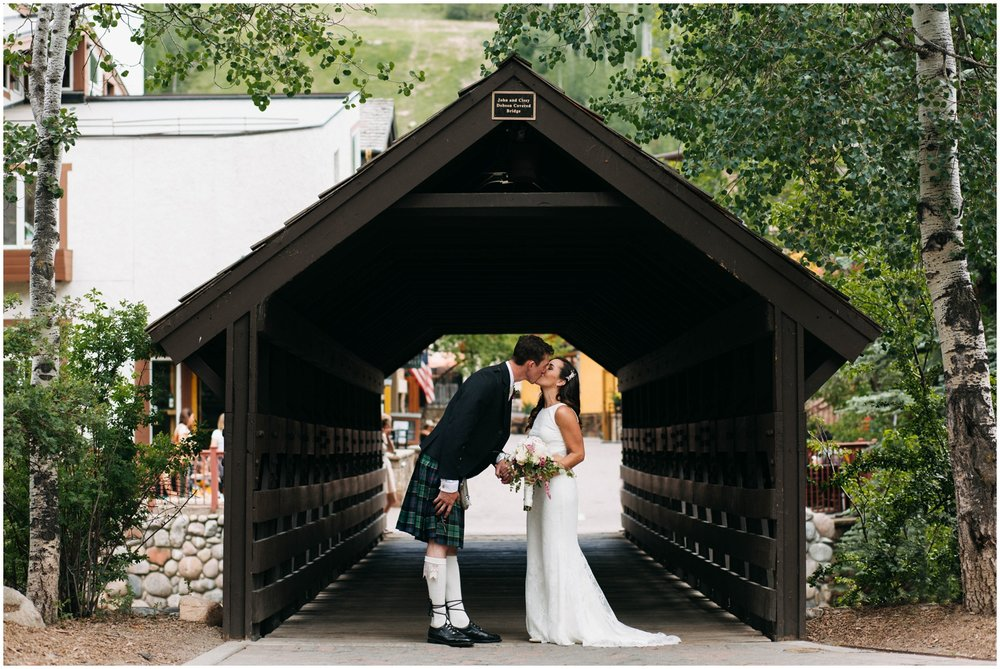 Courtney+Jamie_modern_vail_village_wedding_colorado_taylor_powers_0096.jpg