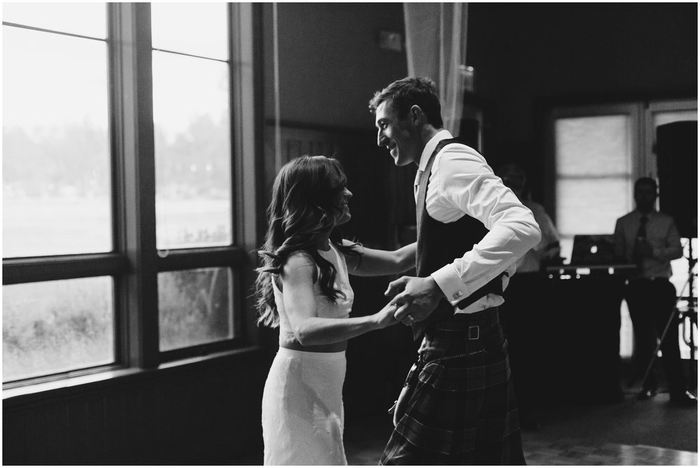Courtney+Jamie_modern_vail_village_wedding_colorado_taylor_powers_0148.jpg