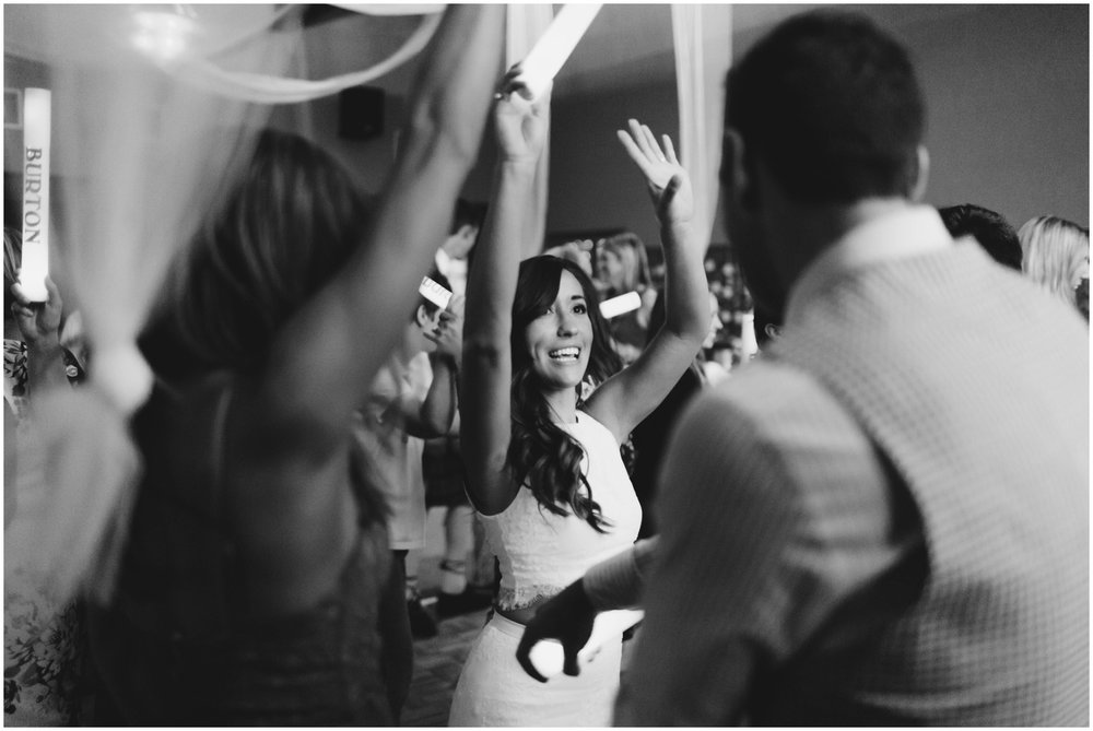 Courtney+Jamie_modern_vail_village_wedding_colorado_taylor_powers_0153.jpg