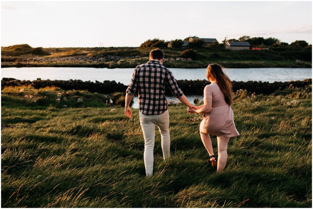 ireland_engagement_adventure_session_irish_couple_international_photographer_taylor_powers__0001.jpg