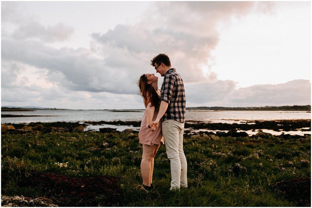ireland_engagement_adventure_session_irish_couple_international_photographer_taylor_powers__0048.jpg