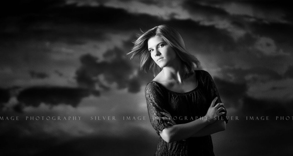 Dramatic black and white senior picture - Silver Image Photography located in Spring, TX