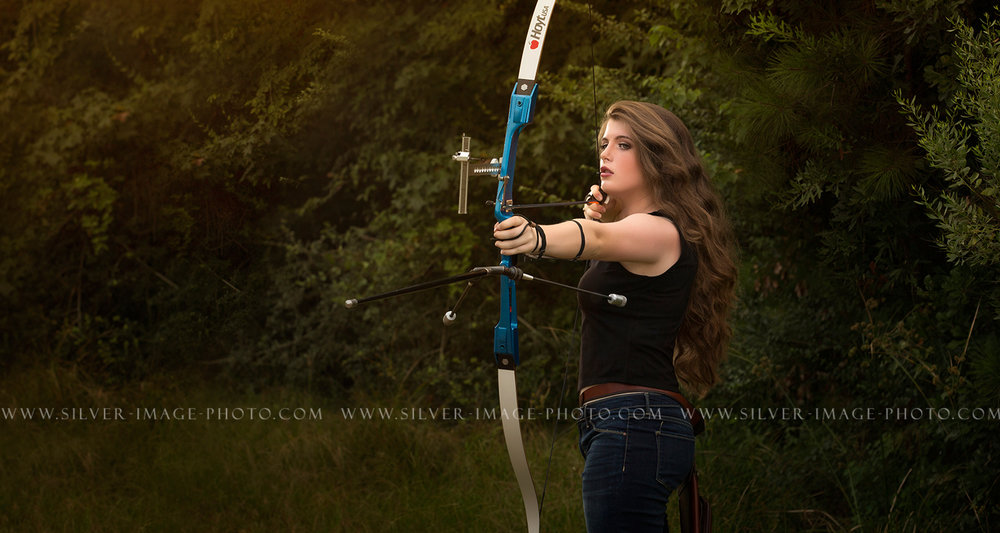 Senior Archery Photos in Texas | Magnolia High School | www.silverimagephotoseniors.com