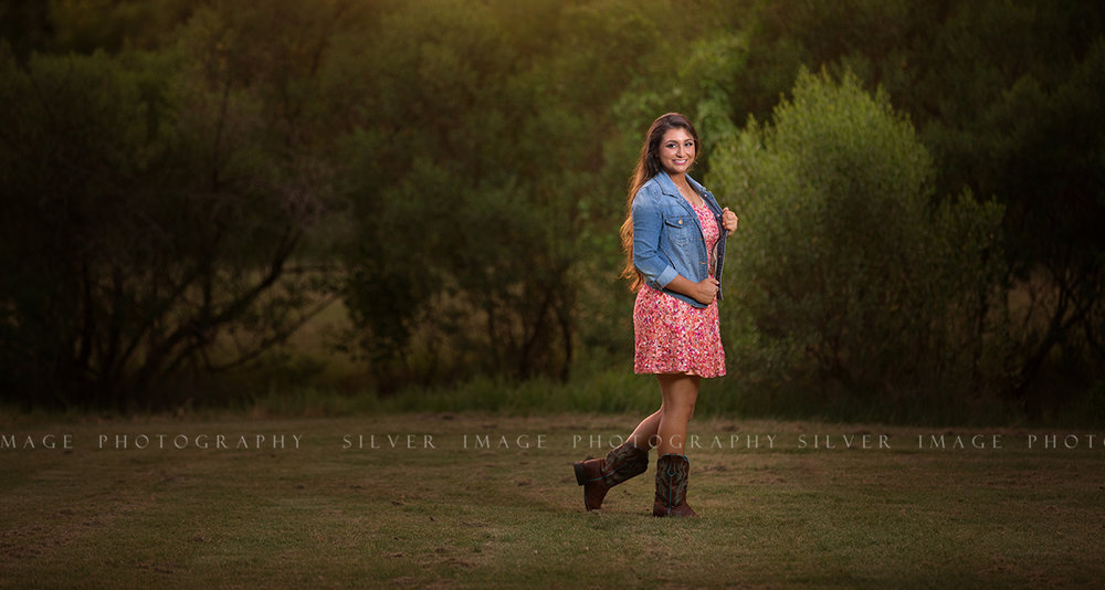 Senior Photos in Texas | MacAuthur High School | www.silverimagephotoseniors.com