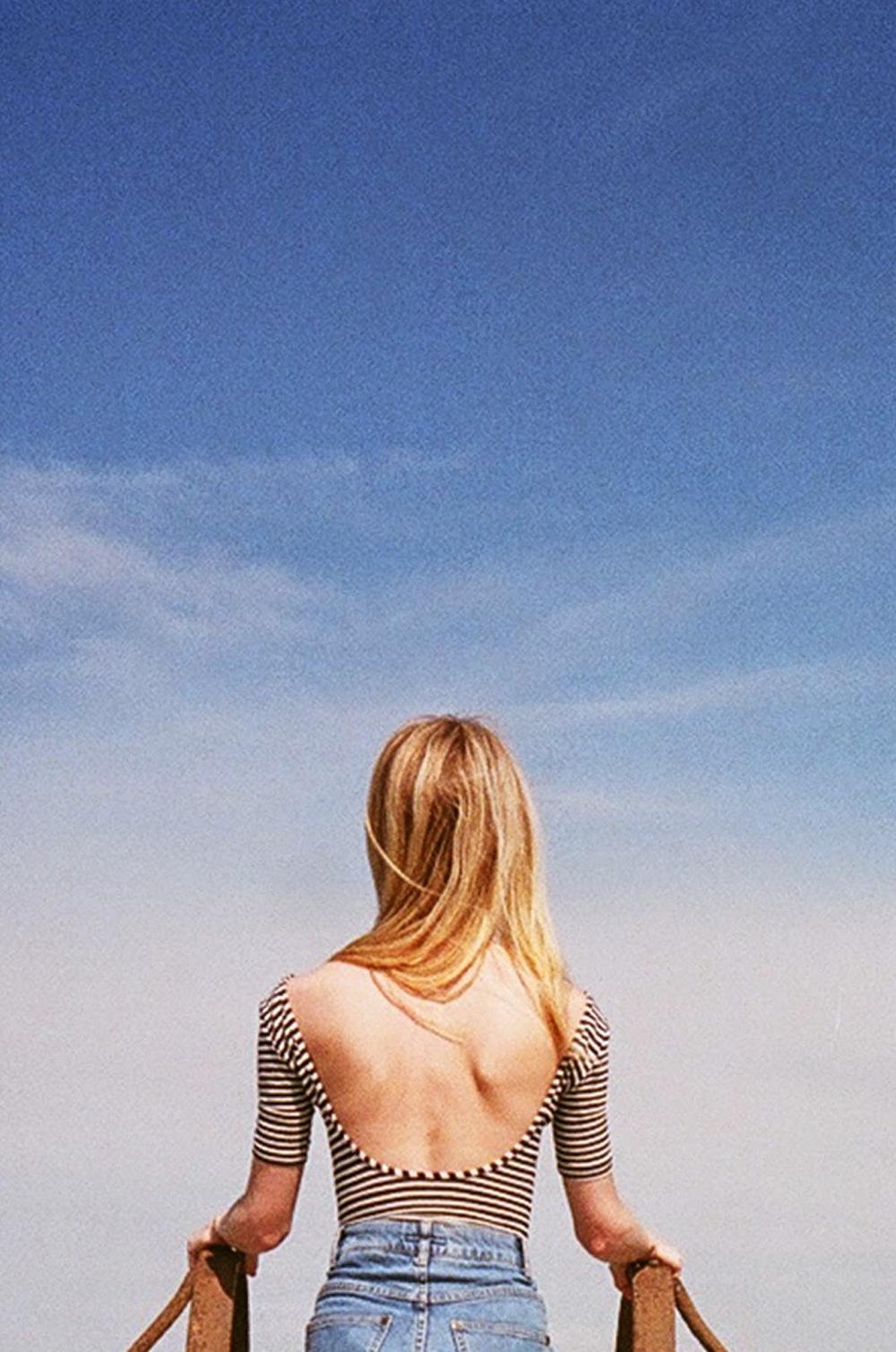 look ahead, by petite tenue