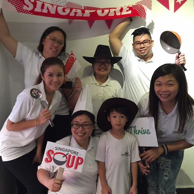 Team Keeping Hope Alive! #SGSOUP #photoboothmoment Photo credits: @doyourhomeworkwithafork