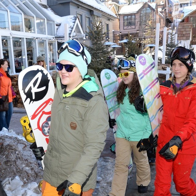 Coachart kids decked out in oakley gear and rossignol boards at LTR Sundance! #LTR #learntoride #sundance #oakley #oakleyshades #oakleyfamily #coachart #parkcity #makingadifference