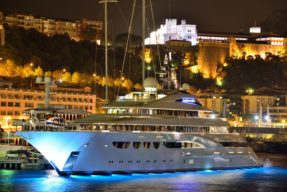 mega-yacht-bay-city-night-Monaco-1920.jpg
