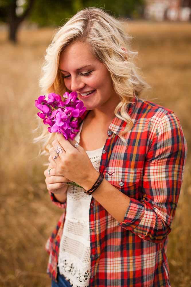 girls-Senior-portraits-seattle-spencer-wallace-photography-discovery-park.jpg