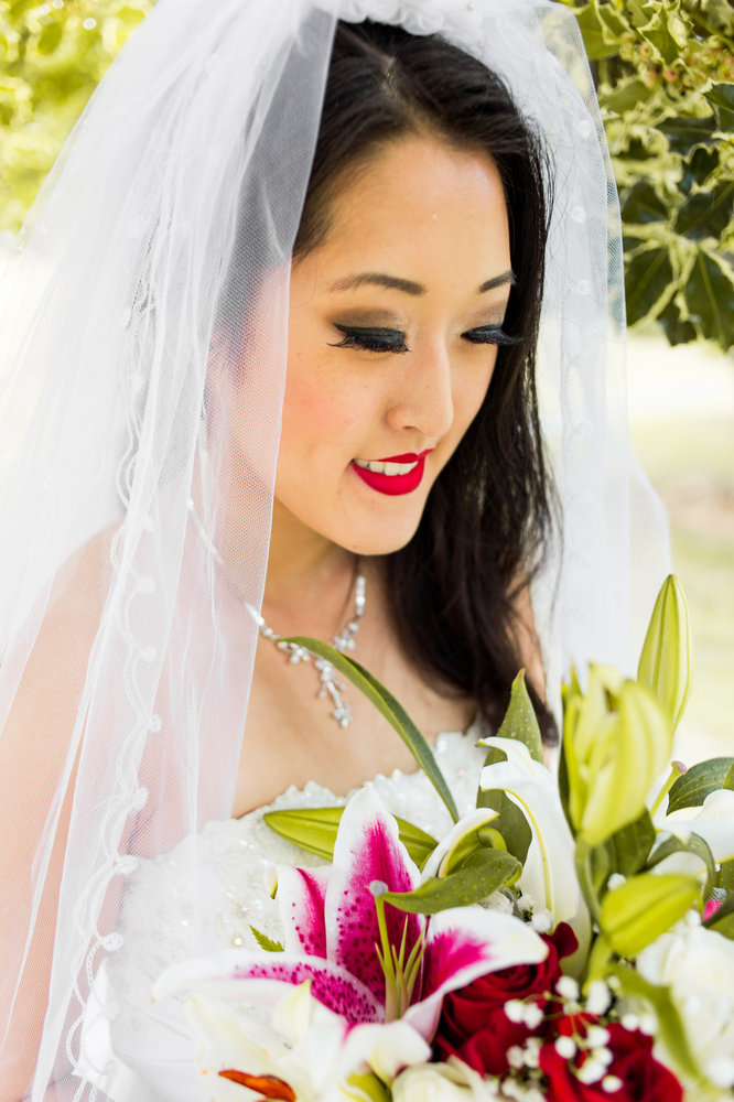 Bride-bouquet-outdoor-Wedding-spencer-wallace-photography-seattle2.jpg