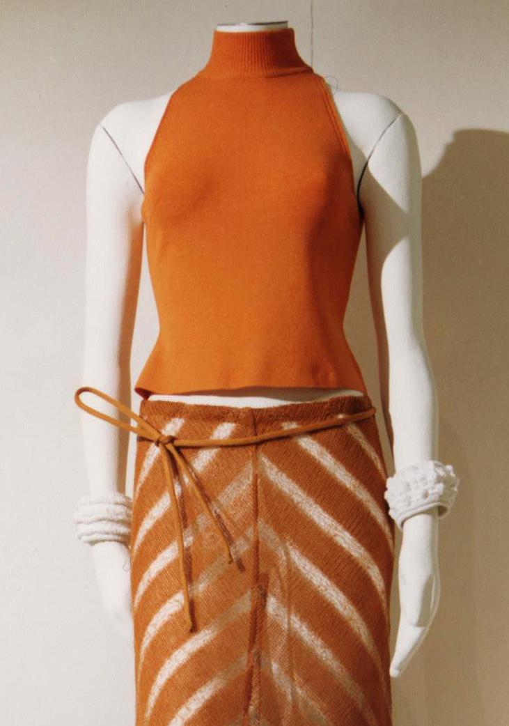 GiulianoeGiusyMarelli_ItalianSummer_2001_MadeInItaly_Knitwear_Design_Detail_3.jpg