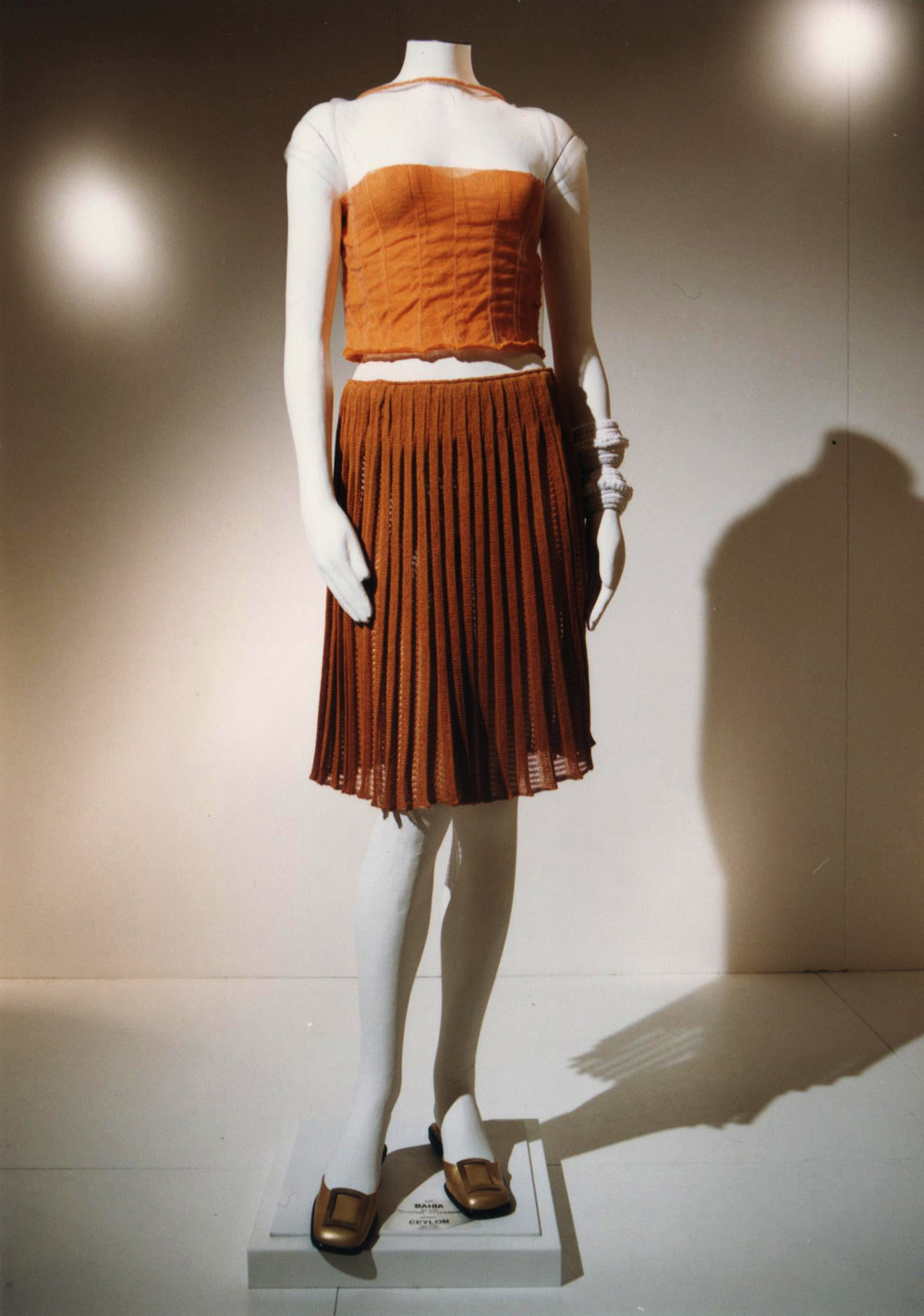 GiulianoeGiusyMarelli_ItalianSummer_2001_MadeInItaly_Knitwear_Design.jpg