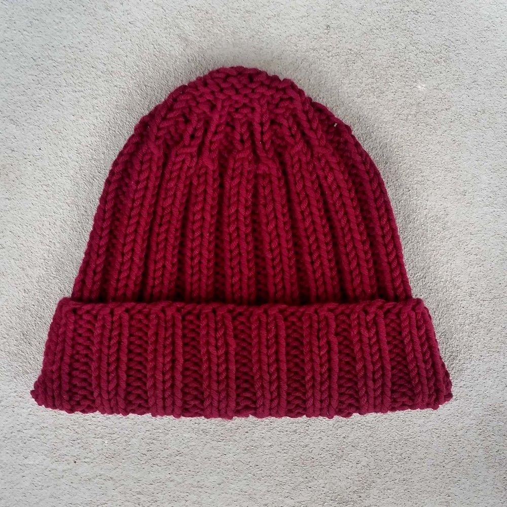 Cappello bordeaux.jpg