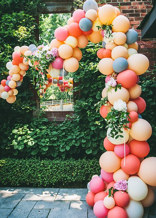 balloon-entrance.jpg