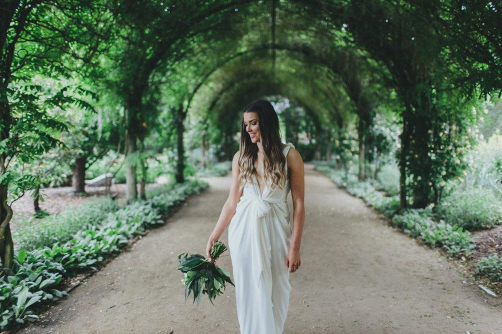 alowyn-gardens-wedding-yarra-valley-kim-cartmell014-1800x0-c-default.jpg