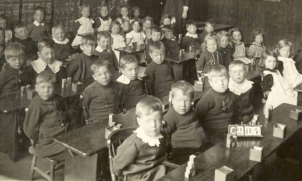 blind kids in school