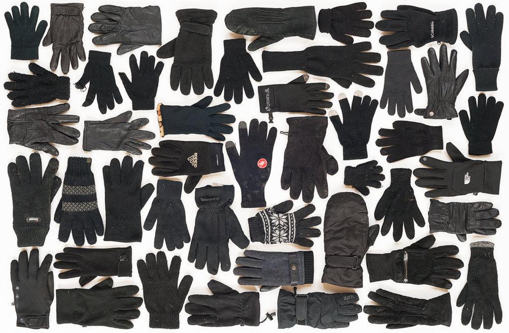 lost and found black gloves (1 van 1).jpg
