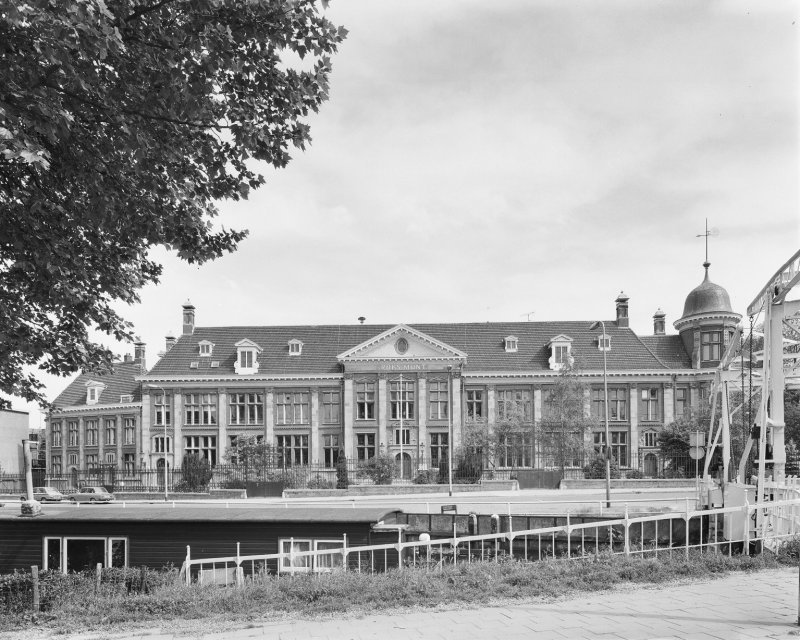 Muntgebouw Utrecht in 1979. Bron:Rijksdienst voor het Cultureel Erfgoed)