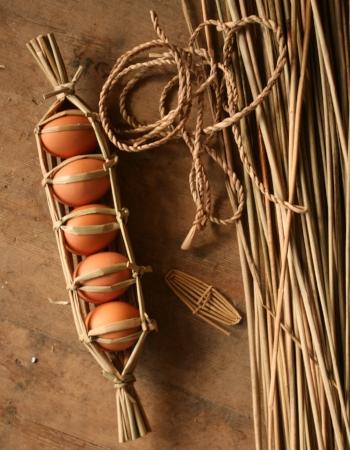 How to wrap 5 eggs mine.jpg
