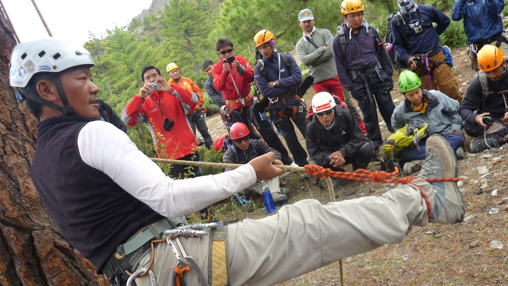 Climbing_Demonstration_Adventure_Alternative_Nepal.JPG