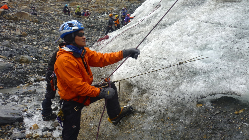 Ice_Climbing_Insured_Team_Adventure_Alternative_Nepal.JPG