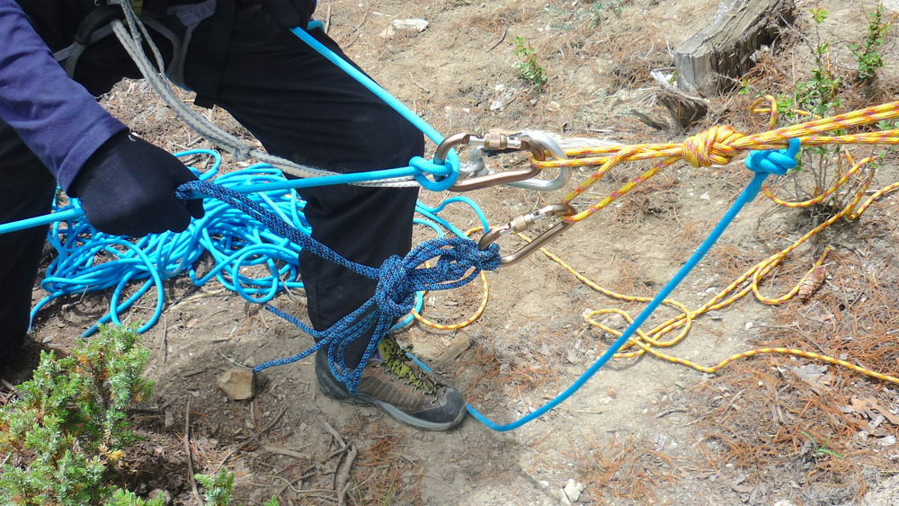 Training_Climbing_Knots_Adventure_Alternative_Nepal.JPG