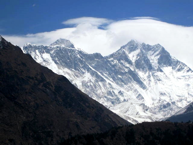 First view of summit of Everest from the trail