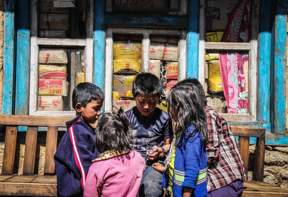 kids-in-lukla.jpg