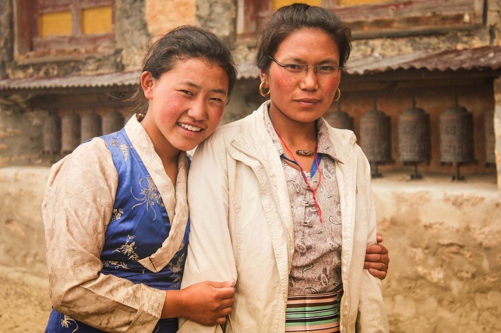 nepalese-friends-in-thame (1).jpg