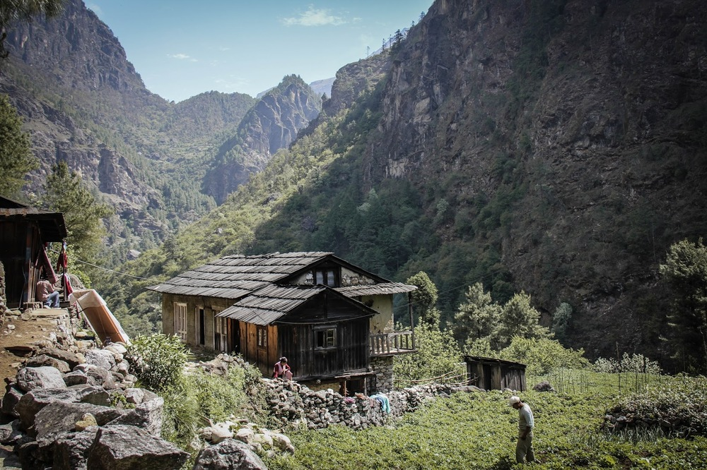 traditional-mountain-homes-in-nepal.jpg