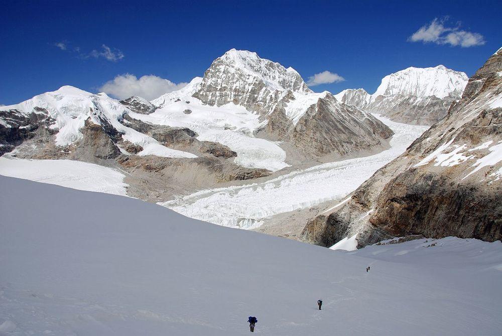 Tashi Lapcha Pass Trek to Rolwaling