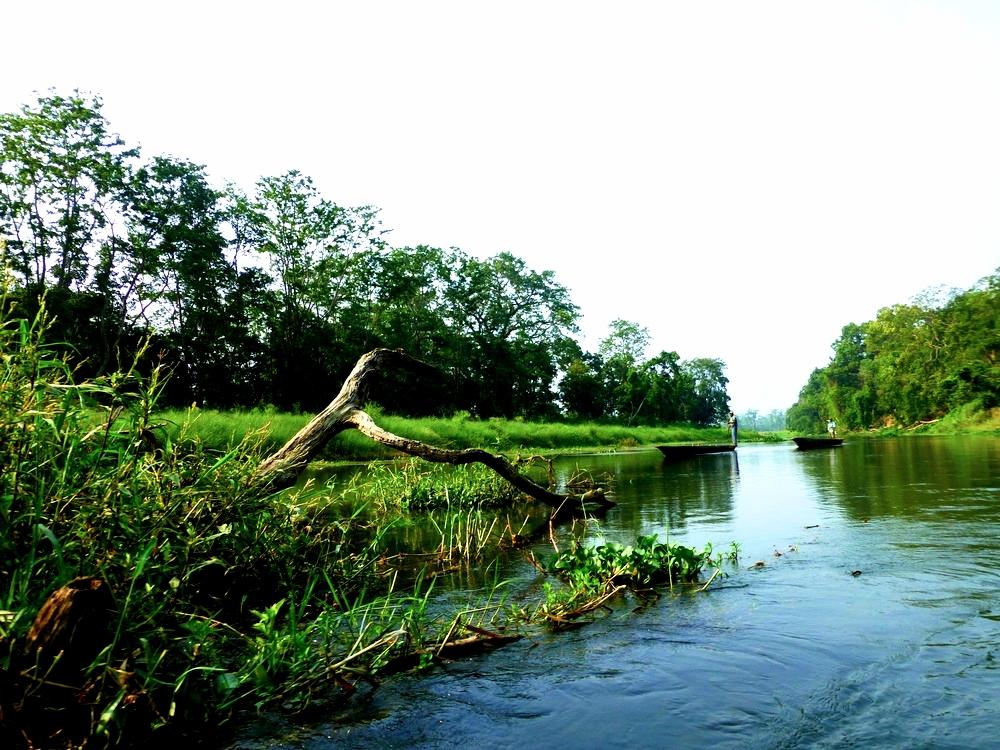 chitwan-lake3.jpg