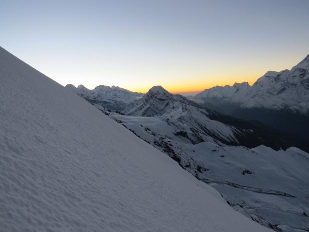 Dawn on the climb of Chulu Far East Peak