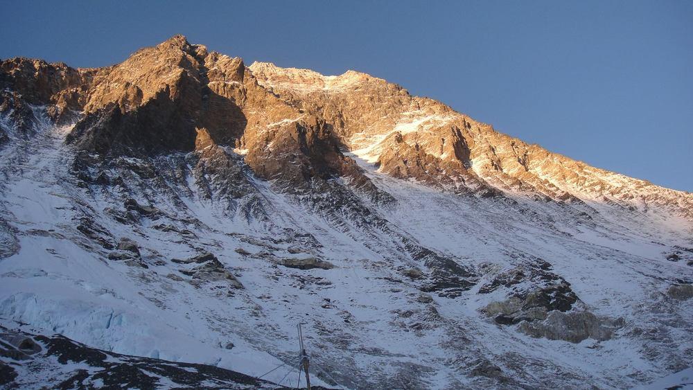 Everest_SouthFace.jpg