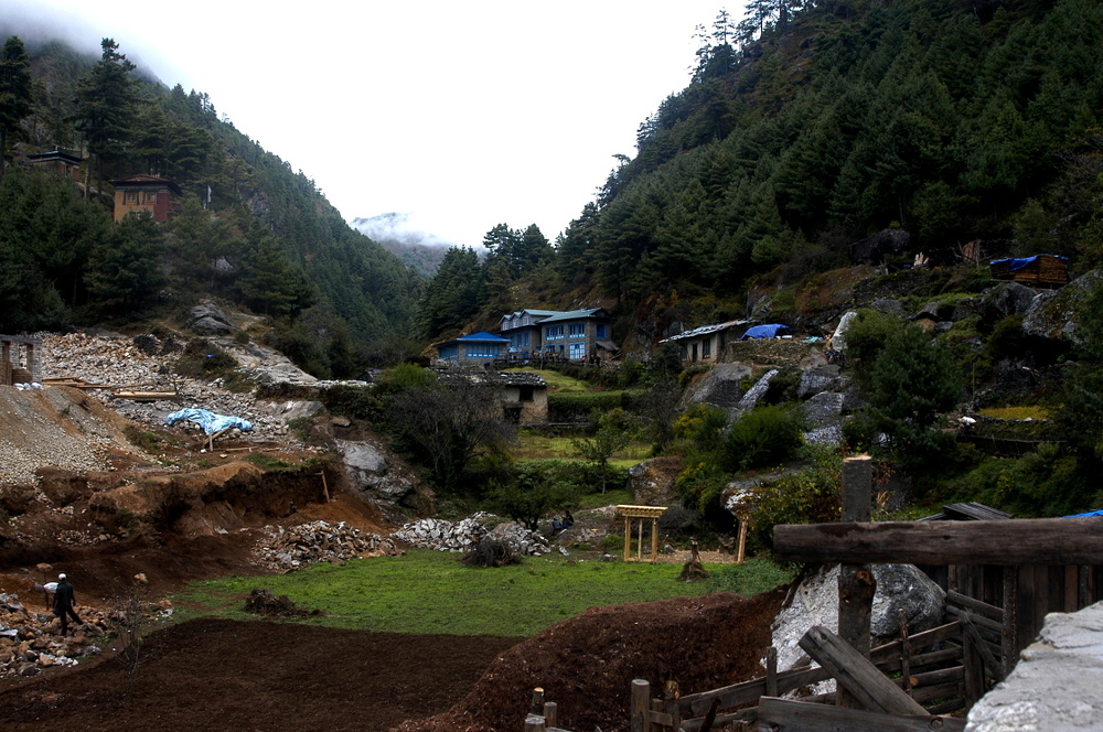 EverestGokyoLake_Village_AANepal.JPG