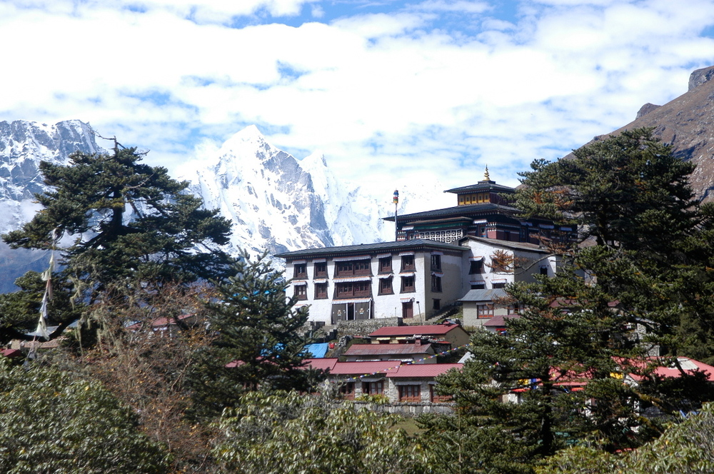 EverestGokyoLake_Village3_AANepal.JPG
