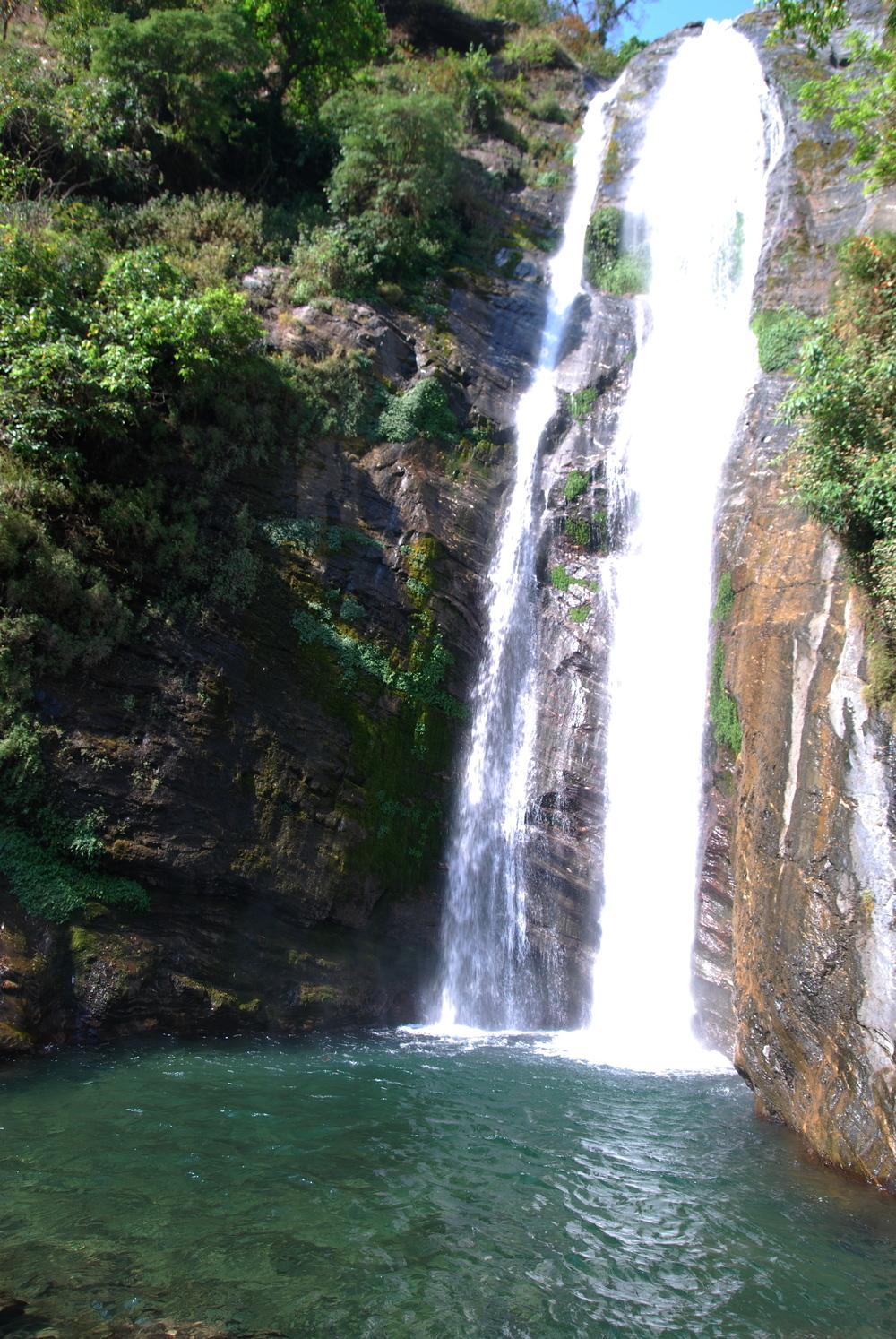 Manaslu_Waterfall_AANepal.JPG