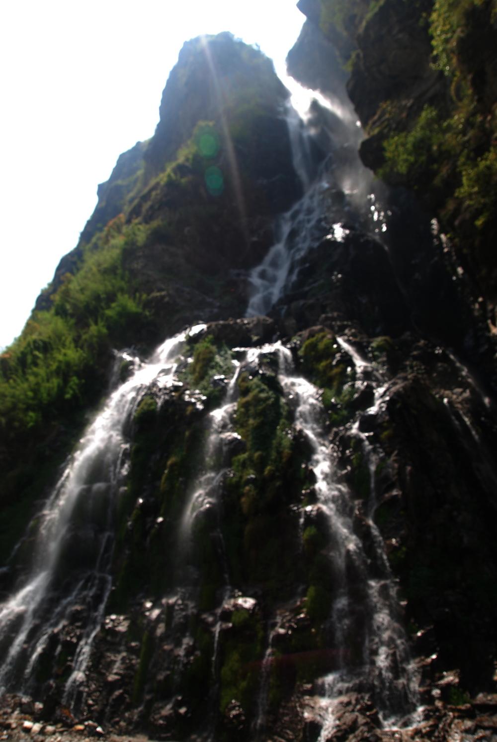Manaslu_Waterfall2_AANepal.JPG
