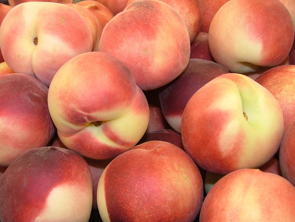 Assorted_Peaches_2816px.jpg